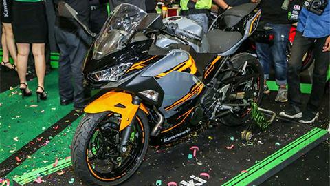 Choáng với Kawasaki Ninja 250 thế hệ mới giá chỉ 37 triệu