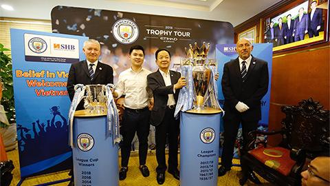 Bầu Hiển nâng cúp Ngoại hạng Anh, muốn đưa Quang Hải sang Man City