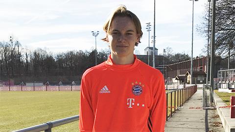 Tân binh của Bayern từng đá cho 3 quốc gia