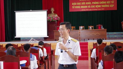 Lữ đoàn 147 Hải quân, truyền thông giáo dục sức khỏe cho 350 cán bộ chiến sĩ