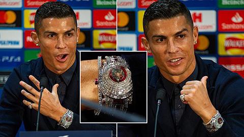 Ronaldo khoe đồng hồ gắn 424 viên kim cương giá 1,85 triệu bảng