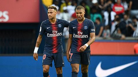 "Neymar thay Tuchel ""dạy bảo"" Mbappe"