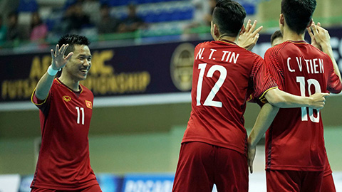 ĐT futsal Việt Nam thắng hủy diệt trong ngày ra quân