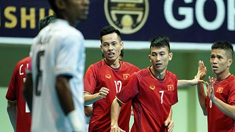Vùi dập Timor Leste, Việt Nam dắt tay Thái Lan vào bán kết AFF Futsal Cup