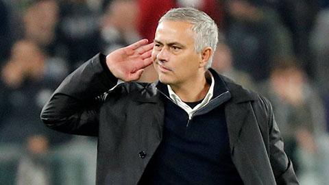 Cái mặt không thể chơi được của Mourinho