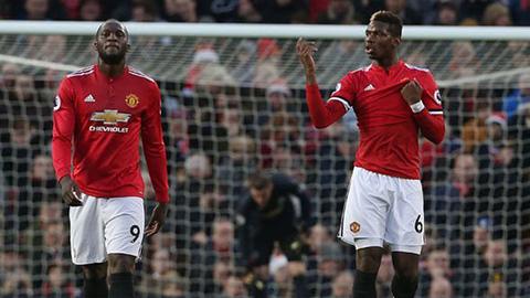 Pogba tập trung muộn, Lukaku trở lại ở derby Manchester