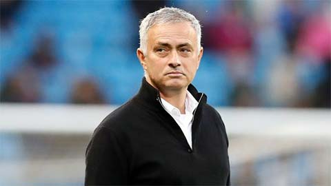 'M.U cần cho Mourinho thêm thời gian'