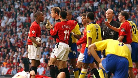 10 đại chiến long trời lở đất giữa M.U và Arsenal trên sân Old Trafford
