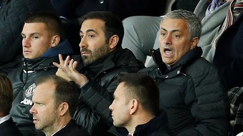 Mourinho cũng biết cách thua