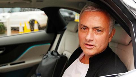 Lộ nguyên nhân thúc đẩy việc M.U sa thải Mourinho