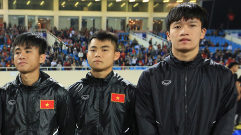 ĐT Việt Nam lên đường dự Asian Cup: Nỗi buồn của người ở lại