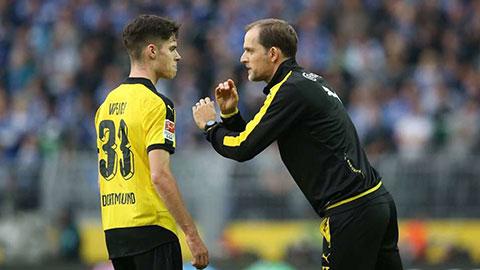 Tuchel thuyết phục Weigl tới PSG