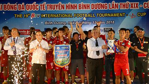 HAGL đại bại trước B.BD trong ngày nhận cúp vô địch BTV Cup
