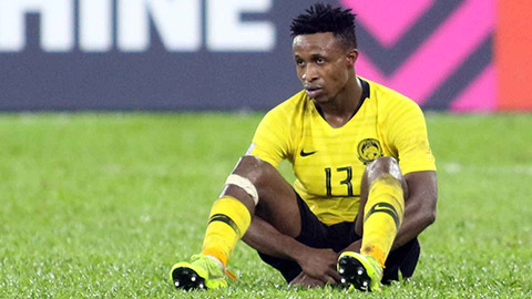Văng tục ở chung kết gặp Việt Nam, tiền vệ Malaysia bị phạt nặng