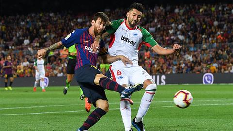 Barca tiếp tục gia cố hàng thủ bằng sao Chile
