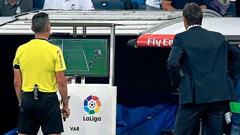 Không có VAR, Real vẫn kém Barca 9 điểm