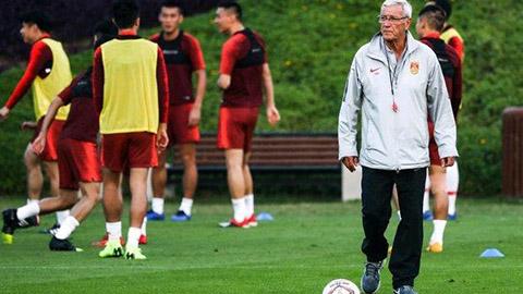 Gặp Thái Lan, HLV Lippi không thèm cho Trung Quốc tập đá penalty