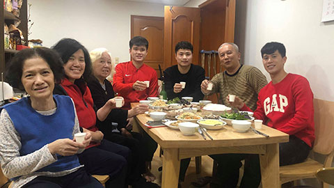 Đình Trọng đón Tết cùng gia đình Đại sứ Việt Nam tại Hàn Quốc