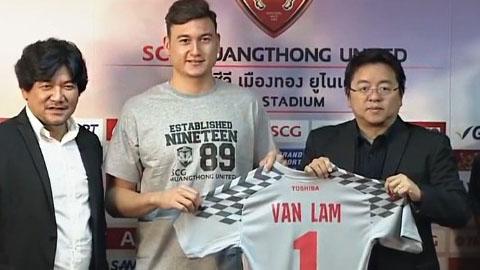 Đặng Văn Lâm mang áo số 1 ở Muangthong Utd