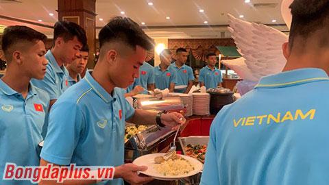 U22 Việt Nam nhận lệnh tránh uống nước cốt dừa, bật điều hòa ở mức 26 độ C