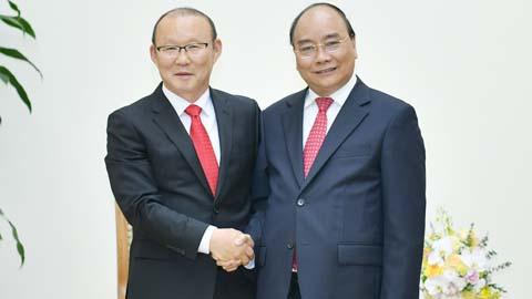 Thủ tướng: Tạo mọi điều kiện để HLV Park Hang Seo hoàn thành trọng trách