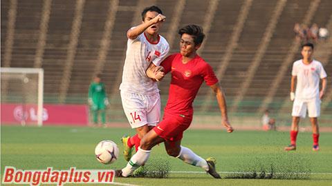 HLV Nguyễn Quốc Tuấn: 'Trọng tài bỏ qua nhiều quả penalty cho U22 Việt Nam'