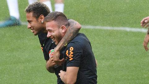 Sao Barca xin lỗi công khai vì đi dự sinh nhật Neymar
