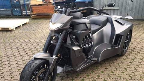 Phát thèm với mô tô 3 bánh độ theo phong cách siêu xe Lamborghini