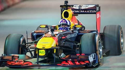 Khán giả Hà Nội vỡ òa vì màn biểu diễn đỉnh cao của xe F1