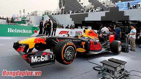 Cận cảnh xe đua F1 giá hơn 300 tỷ Đồng tại Việt Nam