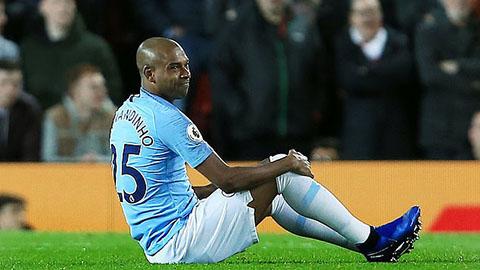 Đua vô địch Ngoại hạng Anh,  Man xanh mất thêm Fernandinho vì chấn thương