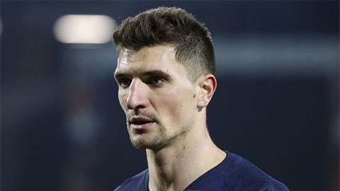 PSG treo giá hậu vệ được M.U, Chelsea và Arsenal theo đuổi