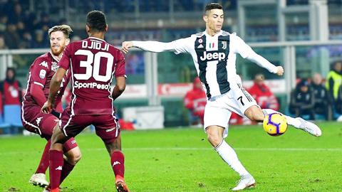 Chuyên nghiệp như Ronaldo