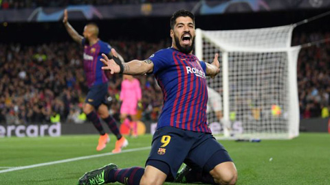 Lăng kính: Suarez ăn mừng đúng hay sai?