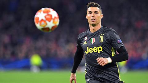 Chơi đầu quá giỏi, Ronaldo... làm khổ Juve?