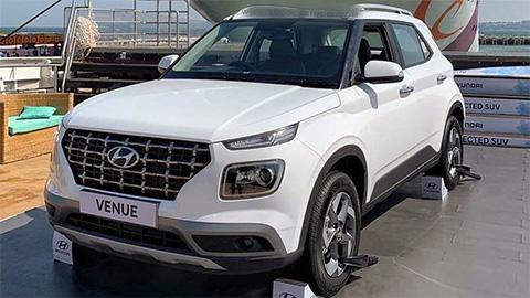 Choáng với 'đàn em' Hyundai Kona đẹp long lanh, giá chưa tới 450 triệu đồng
