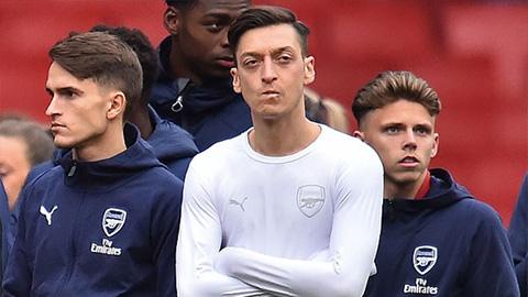 HLV Emery sắp tống khứ Oezil, Mkhitaryan và hàng loạt cầu thủ đội 1 Arsenal