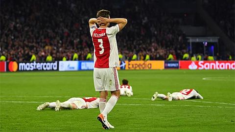 Những người hùng bỗng hóa tội đồ khiến Ajax bị loại