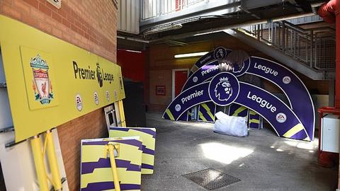 Liverpool chuẩn bị cho lễ đăng quang, đành gác lại chờ mùa tới