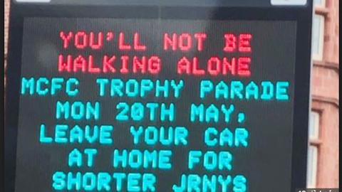 Hậu trường sân cỏ 20/5: Man City 'đá xoáy' Liverpool qua thông báo về buổi lễ ăn mừng
