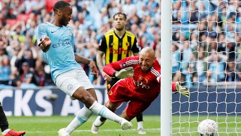 Sterling: Cậu bé lớn lên ở Wembley lại tỏa sáng