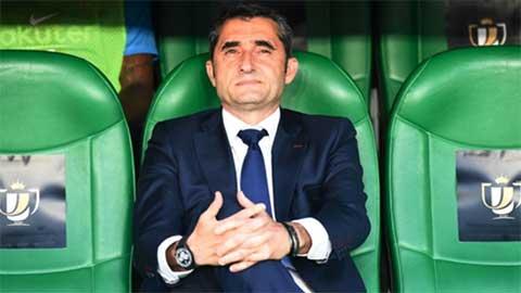 Chủ tịch Barca vẫn bảo vệ Valverde sau thất bại ở Cúp Nhà Vua