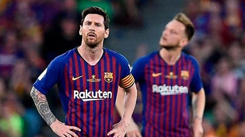 Thua Valencia, cầu thủ Barca 'đấu tố' nhau ngay trên xe buýt