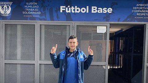 Con trai Reyes gia nhập đội trẻ Real Madrid