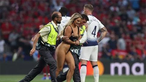 Người đẹp phá đám chung kết Champions League được UEFA tặng quà đặc biệt