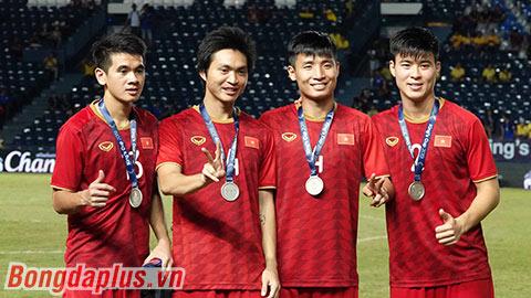 ĐT Việt Nam được thưởng 800 triệu với ngôi á quân King's Cup