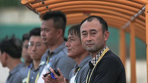 HLV Lee Tea Hoon: 'Sân xấu khiến HAGL thua đậm SLNA'
