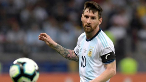 Đứng bét bảng, Messi vẫn tin Argentina có vé vào tứ kết