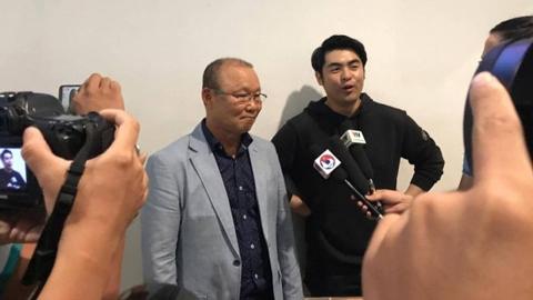 Người đại diện tiết lộ về hợp đồng của thầy Park