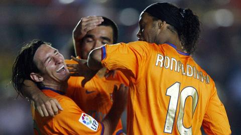 Barca bán 'bợm nhậu' Deco và Ronaldinho vì sợ ảnh hưởng đến Messi